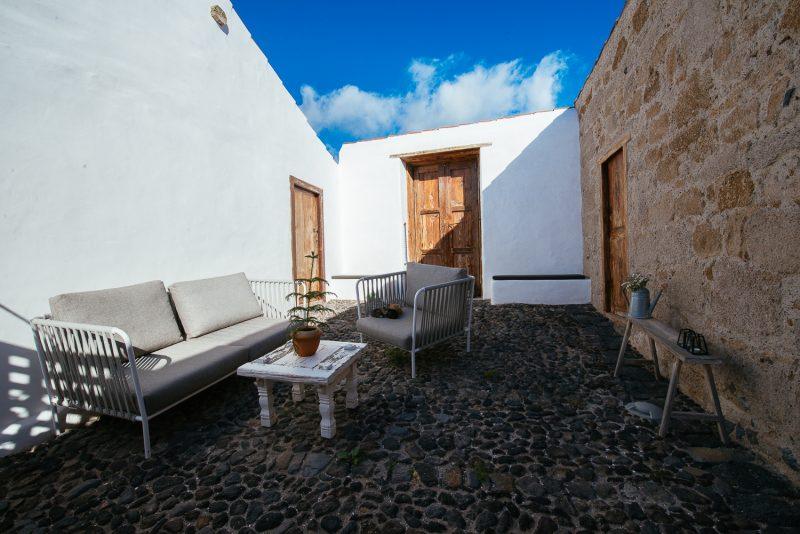 Patio de la  Casa de La Cabrera. Las Casas del Camino Real.