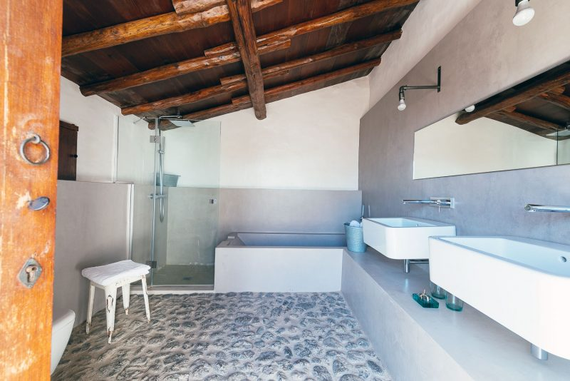 Baño de la casa del Alpendre. Las Casas del Camino Real.