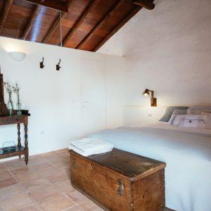 Dormitorio-lacabrera-Las-casas-del-camino-real-59-de-96.jpg